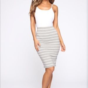 Fashion Nova Grey Striped Skirt